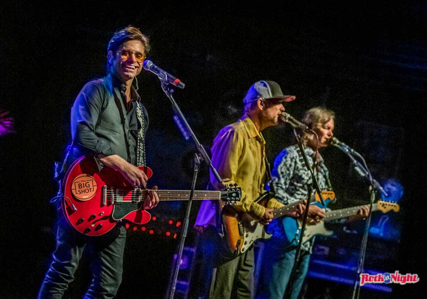 John Stamos with The Beach BoysDSC_0284